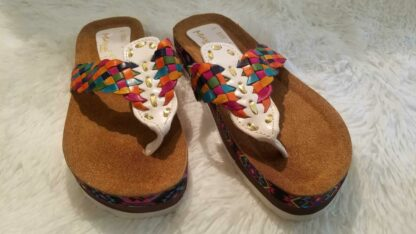 huaraches woman